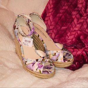 🌸 Floral Christian Siriano Wedge Sandals Sz 8 🌸